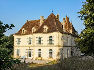 6 bedroom Chateau with Pool and WiFi - 5813733