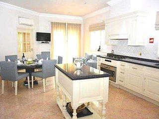 Quinta do Lago Villa Sleeps 8 with Pool Air Con and WiFi - 5479868