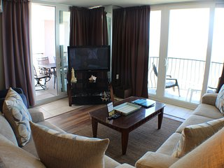Aqua~Vista Beachfront Paradise Suite~1201