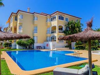 Jardines del Sol II Apartment, con Piscina y Terraza, cerca de la Playa!