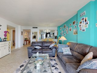 Renovated beachfront condo w/ shared pool & ocean views - snowbird-friendly!