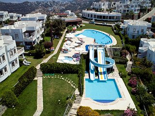 SEAVIEW VILLA WITH OWN POOL ONSITE AQUAPARK & MANY MORE FREE ACTIVITIES TO ENJOY