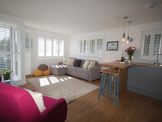 Jack's Stay a private stylish apartment in the charming town of Salcombe, Devon.