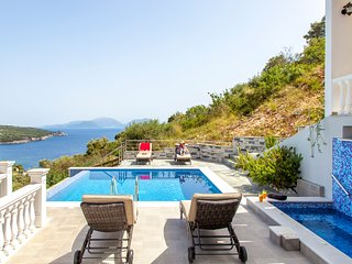 LuxuryVilla DeEwelina with Heated Pool&Jacuzzi NowWith 10%Off For EarlyJulyDates