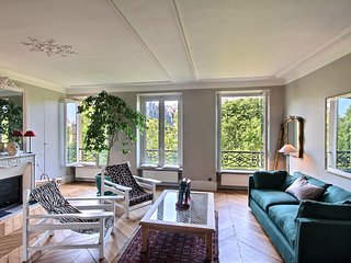Wonderful Apartement 2BR/2BTH on the Boulevard Saint Germain