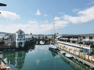 Spacious Marina Apartment with Waterfront Views