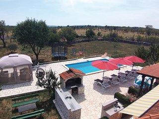 Nice home in Planjane Gornje w/ WiFi and 3 Bedrooms