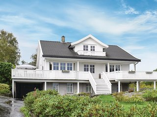 Beautiful home in Mosterhamn w/ WiFi and 3 Bedrooms (N18566)