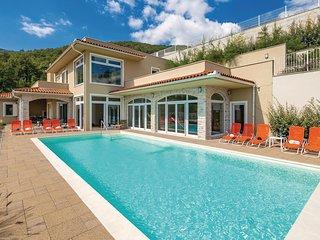 Stunning home in Veprinac w/ Sauna, WiFi and 5 Bedrooms (CKO053)