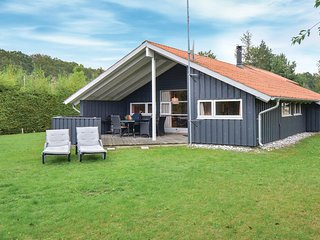 Awesome home in Ebeltoft w/ Sauna and 4 Bedrooms (D17581)