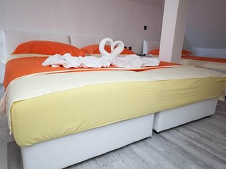 Rooms Aladino - Attic Triple Room with Balcony and Sea View (6)