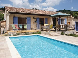 Beautiful home in Le Poujol sur Orb w/ Outdoor swimming pool and 3 Bedrooms