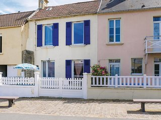 Nice home in Arromanches-les-Bains w/ 2 Bedrooms (FNC216)