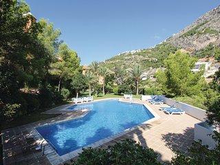 Nice apartment in Altea w/ Outdoor swimming pool, Outdoor swimming pool and 2 Be