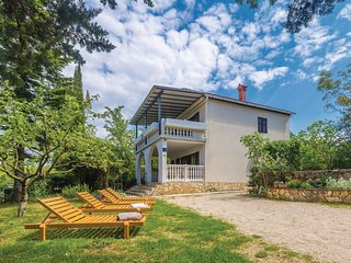 Nice home in Malinska w/ WiFi and 3 Bedrooms (CKK185)