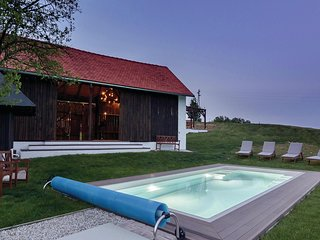 Stunning home in Krizevci w/ Sauna, WiFi and Outdoor swimming pool (SPO142)