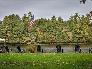The Gifford Lake House