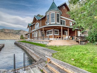 Lakefront house w/ private swim dock, outdoor fireplace, & large hot tub