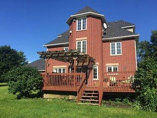 Lia's Paradise Manor 772