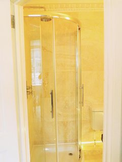 En-suite shower rooms for two of the bedrooms