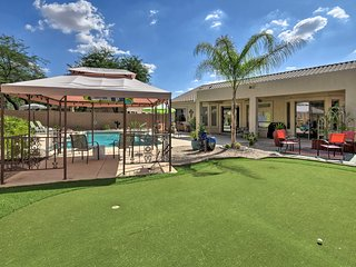NEW-Upscale Mesa Home w/Pool Mins to Hiking Trails