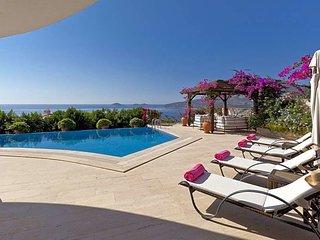 Kalkan Villa Sleeps 8 with Pool Air Con and WiFi - 5433395