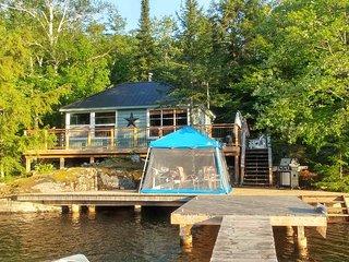 Amazing Island Paradise Waterfront Cottage