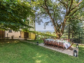 Arezzo Villa Sleeps 12 with Pool and Air Con - 5813770