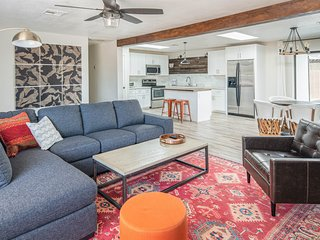 Spacious 4BR Home in North Phoenix by WanderJaunt