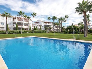 Beautiful apartment in Estepona w/ Outdoor swimming pool, WiFi and 2 Bedrooms