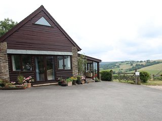 Putham Barn, Cutcombe - Detached cottage with lovely views of Exmoor countryside
