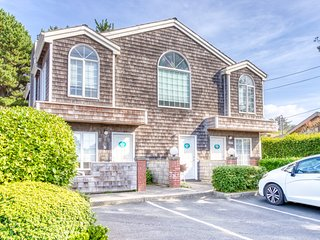 Spacious, dog-friendly fourplex w/ close beach access & room for a group!