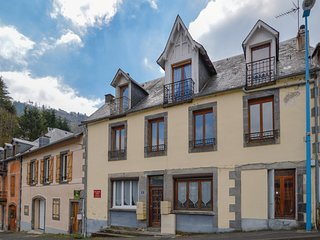 Beautiful apartment in Le Mont Dore w/ 1 Bedrooms