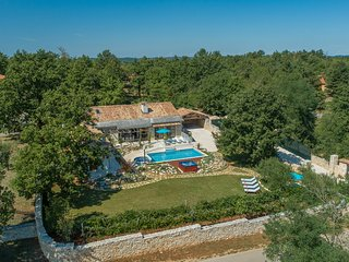 New villa with private pool in central Istria 5*