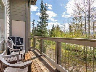 NEW LISTING! Enjoy Gorgeous Views & Trails Access Central To Breckenridge Keysto