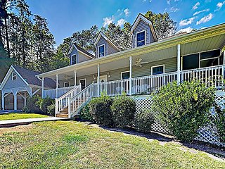 Charming 4BR Country Home w/ Hot Tub & Fire Pit, Near Downtown Asheville