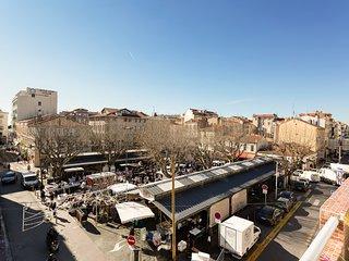 City view apartment w/ balcony - steps to shops, restaurants, beach & festival!