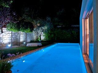 ALACATI AMAZING VILLA - Garden - pool