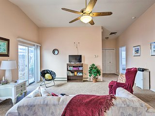NEW! Grand Junction Townhome By CO Nat'l Monument!