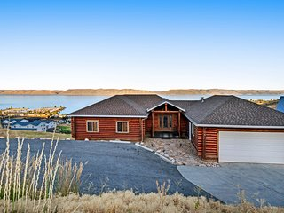 Bear Lake Cabin w/ beautiful views & a full kitchen - close to boating & trails!
