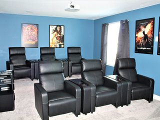New Home With Movie Theater Room Private Pool/Spa!