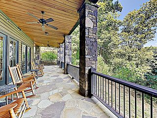 Gated Mountain Villa w/ Outdoor Fireplace & Huge Balcony Overlooking Lake