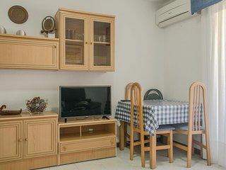 Amazing apartment in Oropesa del Mar w/ 2 Bedrooms