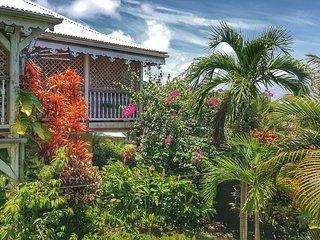 Villa Fleurs des Iles, belle villa créole avec piscine à 5 mn de la Pointe Faula