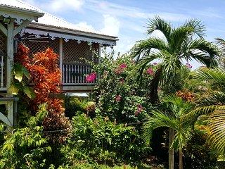 Appartement PAPAY dans belle villa créole avec piscine à 5 mn de la Pointe Faula