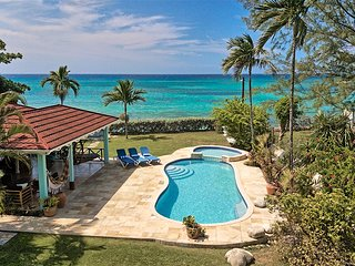 On Beach in private grounds, Sleeps 12, Free Cook inc. 7 Beds, 5 Bdrms, (BwVRB)