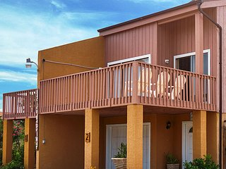 Hacienda del Mar #1 - Spacious Townhome, 1/2 block from the beach, WiFi