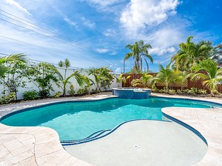 Cool Ft.Lauderdale 3/2 for 8 Heated Pool & Jacuzzi