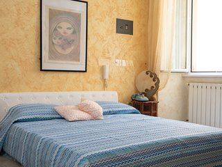 Rome Holiday Home Sleeps 3 with Air Con and WiFi - 5811194