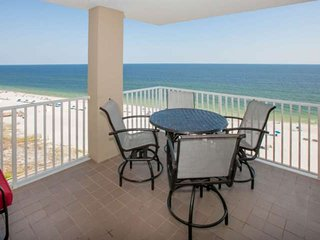 Newly updated Gulf-front on 10th floor | In/Outdoor pools, Hot tub, Fitness, BBQ